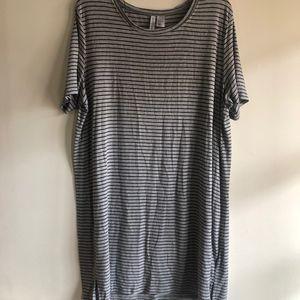 Divided Dresses - H&M Divided t-shirt dress